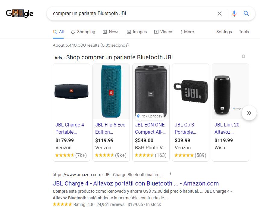 Imagen que muestra una búsqueda en Google con intención transaccional