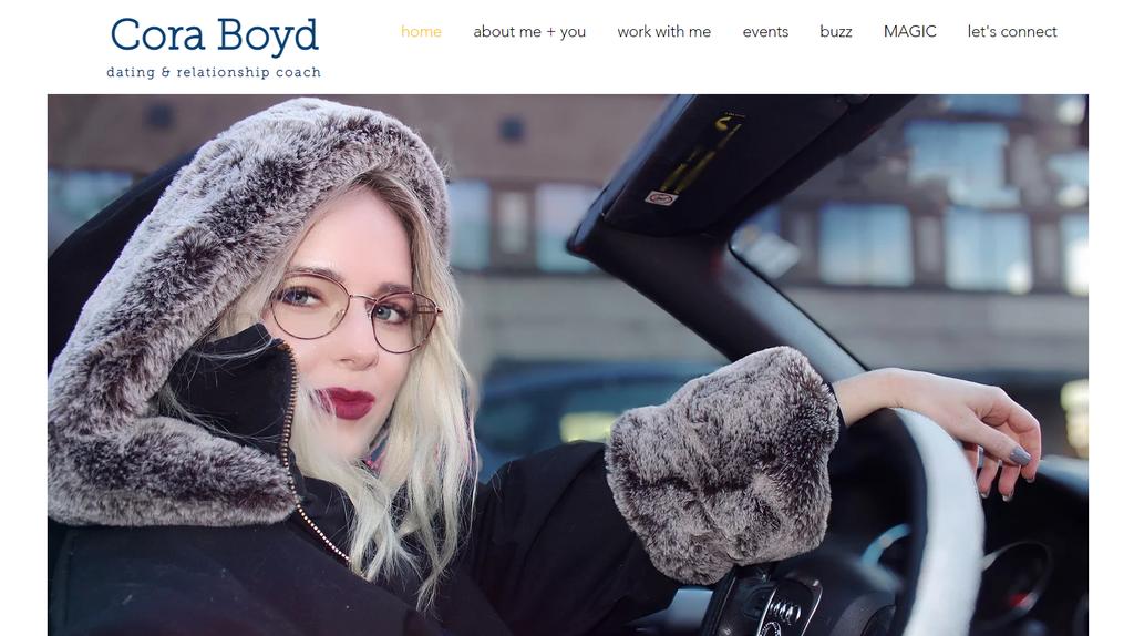 Página de inicio de Cora Boyd, dueña de un pequeño negocio de consultoría de citas